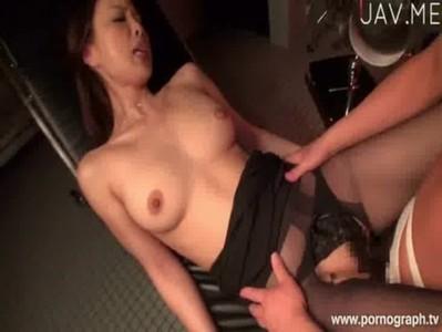 คุณหมอสาวสุดสวยเซ็กซี่เจอคนไข้จับเย็ดในห้อง หนังโป้japan av