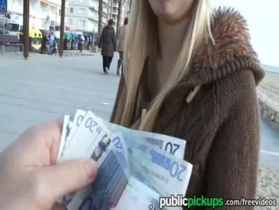 ขอซื้อไปเย็ดข้างทางเห็นค่าตัวแล้วหีแข็งแฉะรอเลย เงินเยอะขนาดนี้ยอมให้เด้าจิมิ้ฟรีๆเลยค่ะ XNXX นมสวยสวยหนังโป๊โหดสัสรัสเซีย เสียวหี