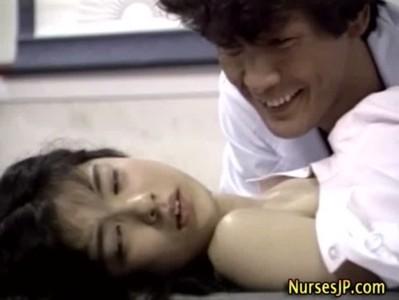 พยาบาลวัยทำงาน สาววัยรุ่น หน้าตาสวย น่ารักโดนหมอหื่นบังคับเย็ดตอนไม่มีใคร คริปโป้ญี่ปุ่น